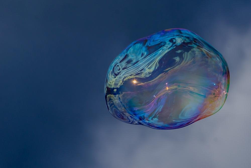 Platz 23 - Volkhardt Lembcke - Die-ganze-Welt-auf-einer-Blase