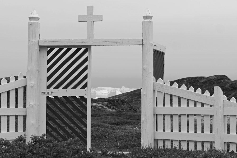 34 - Bettina Schmidt - Friedhofstor