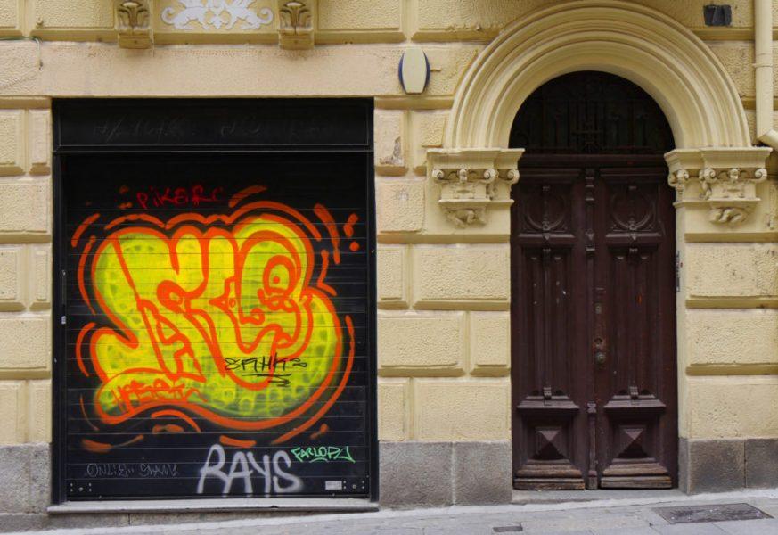 Platz 16 - Bettina Schmidt -Graffitti