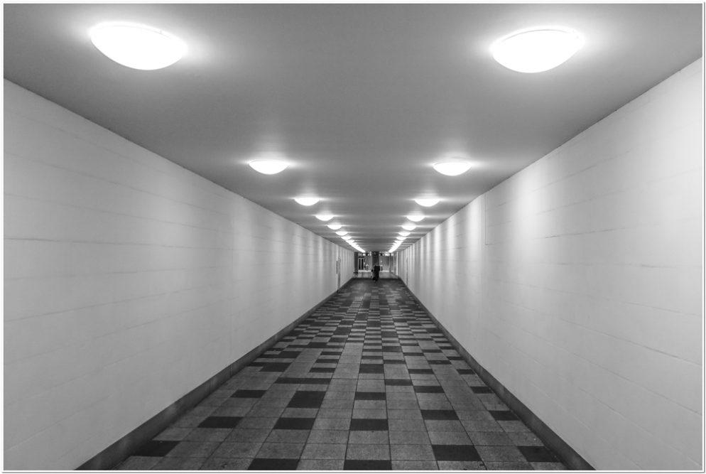 19 - Adolf Wiehenkel - unterm Bahnhof