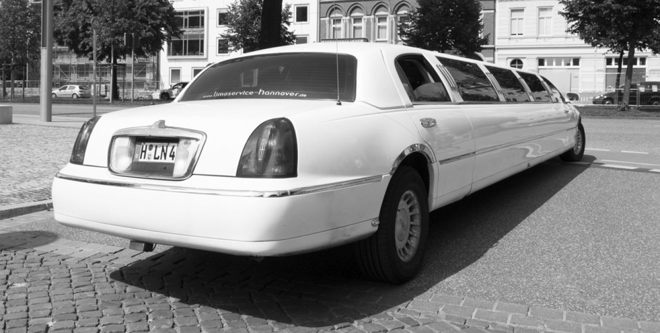 65 - Pia Dumke - Stretch-Limousine