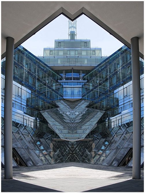 Platz 4 - Hartmut Makus - Glaskasten